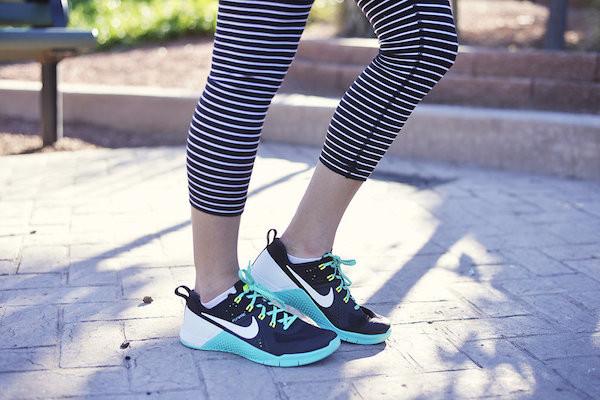 Nike metcon black hyper jade Lauren Fisher edition