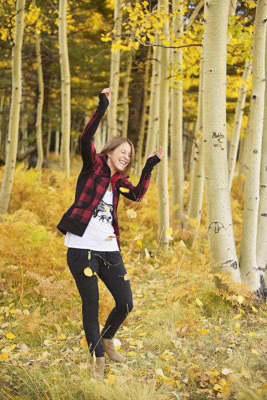 Fall athleisure look in lululemon, Glyder, and Alala
