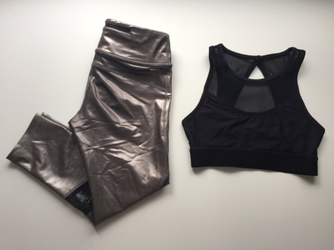 1594a9a346b17 Review  Alala Pewter Captain Crop Tights + Black In A Snap Bra ...