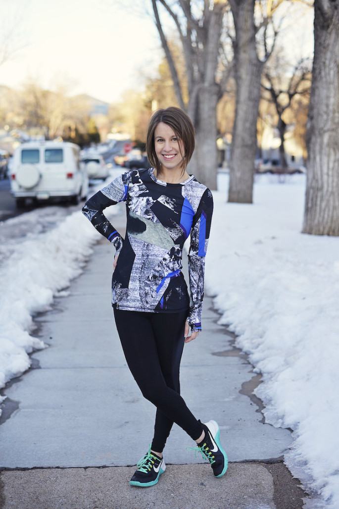 Alala blueprint everyday tee with black chill tights