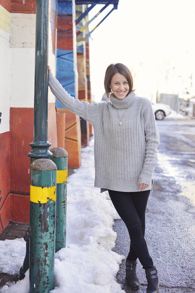 Wardrobe staple: a grey oversized sweater