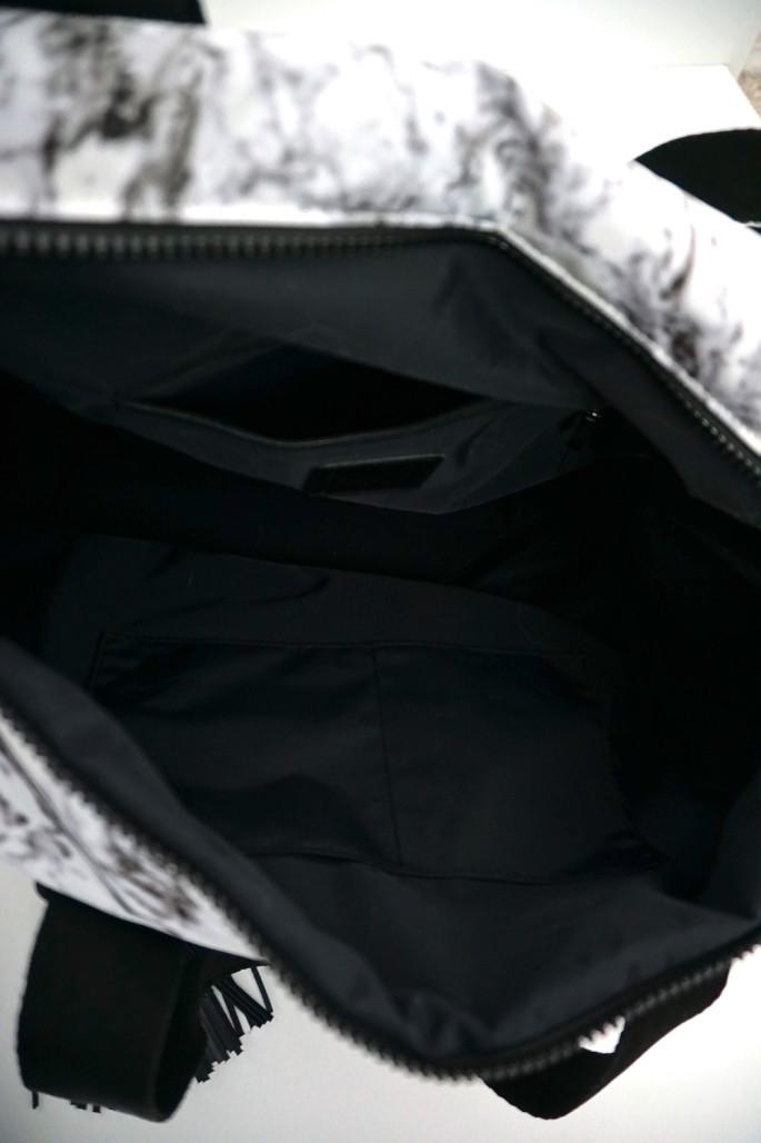 Balsa 201 boxing bag interior pockets