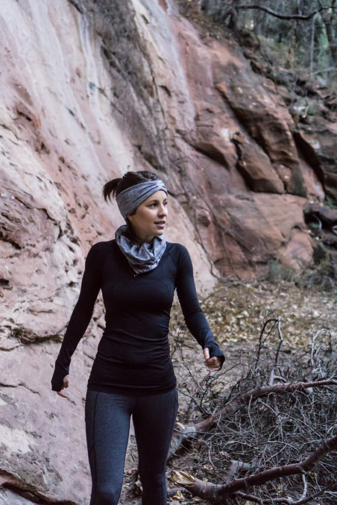 Black and grey lululemon winter running outfit