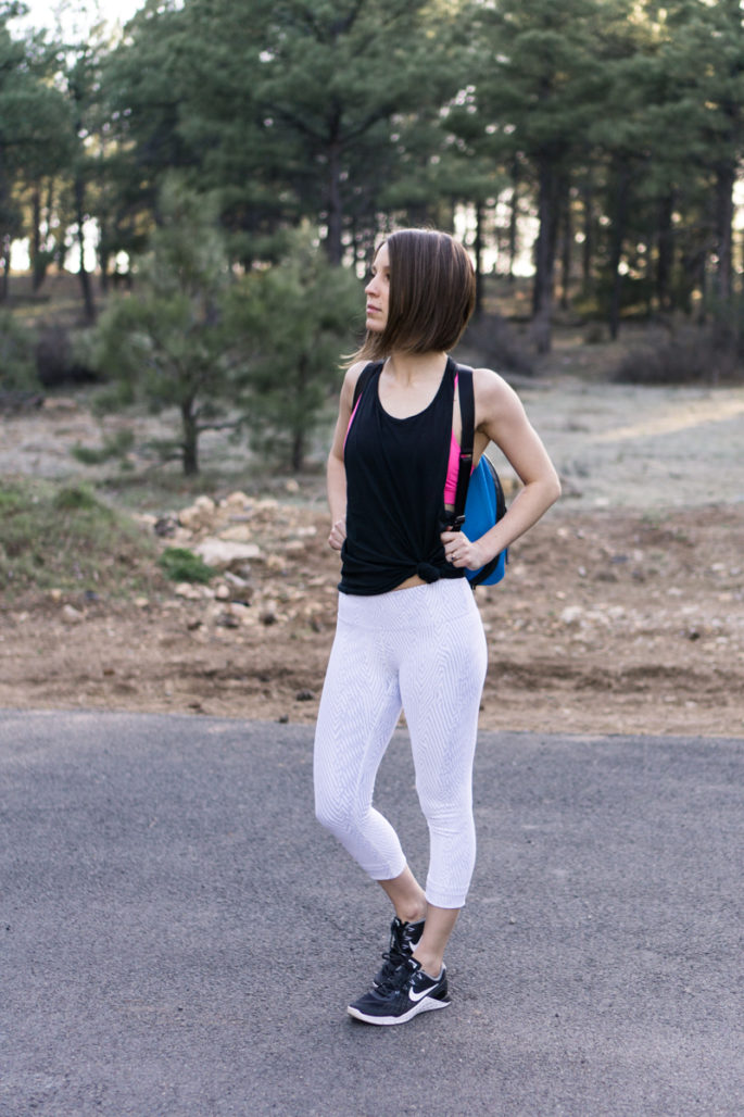 Black and white spring workout outfit