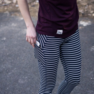 Workout tights with phone pockets