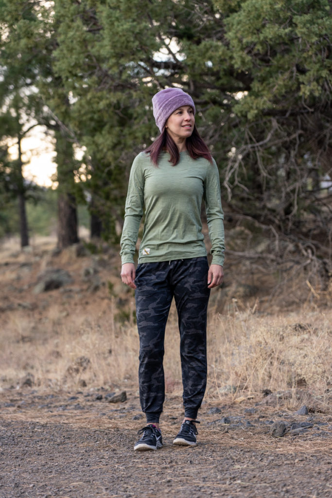 Fall athleisure outfit: camo joggers