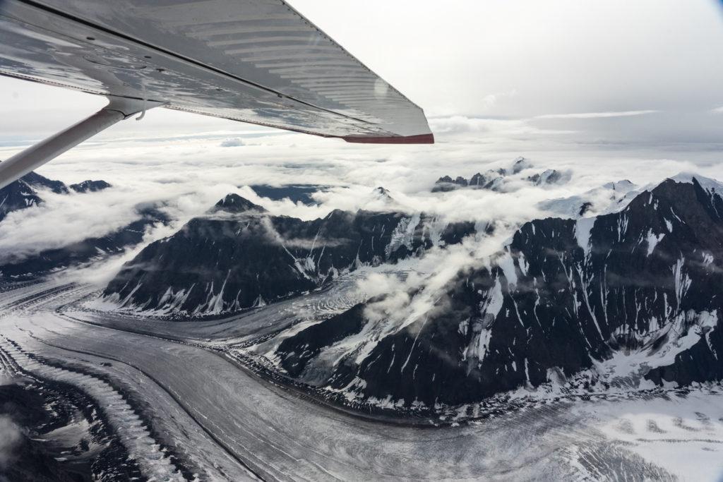 Mountains and Glaciers of the Alaska Range: flightseeing tour