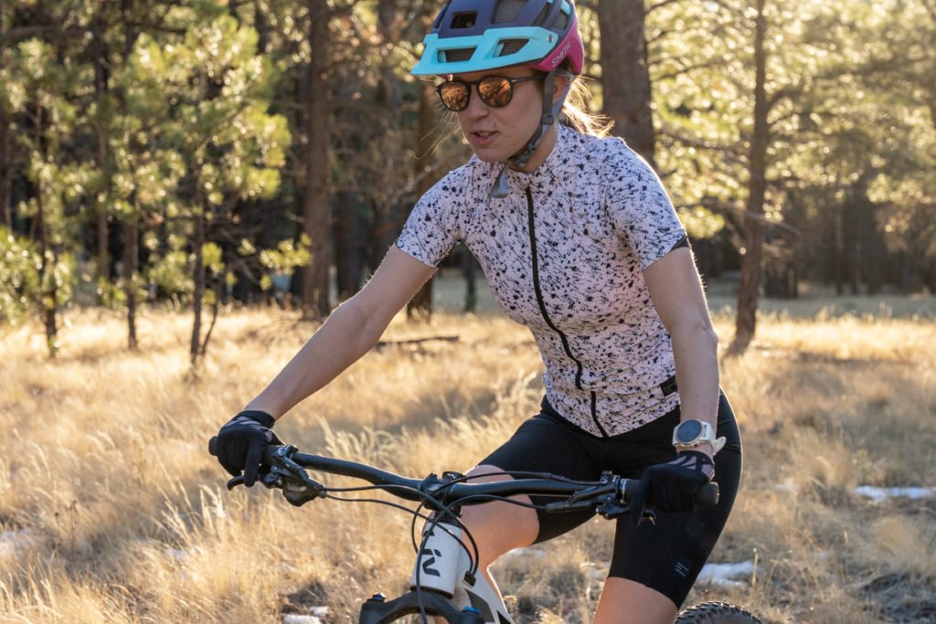 Stylish cycling jersey for women: Machines for Freedom